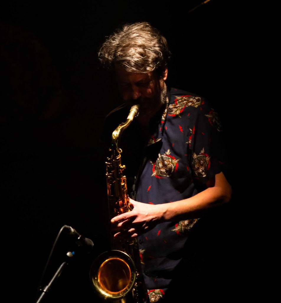 Le saxophoniste Laurent Bardainne au Pédiluve